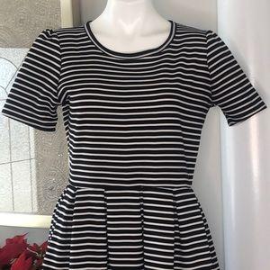 LuLaRoe Dresses - LuLaRoe Black/White Amelia Dress Sz L